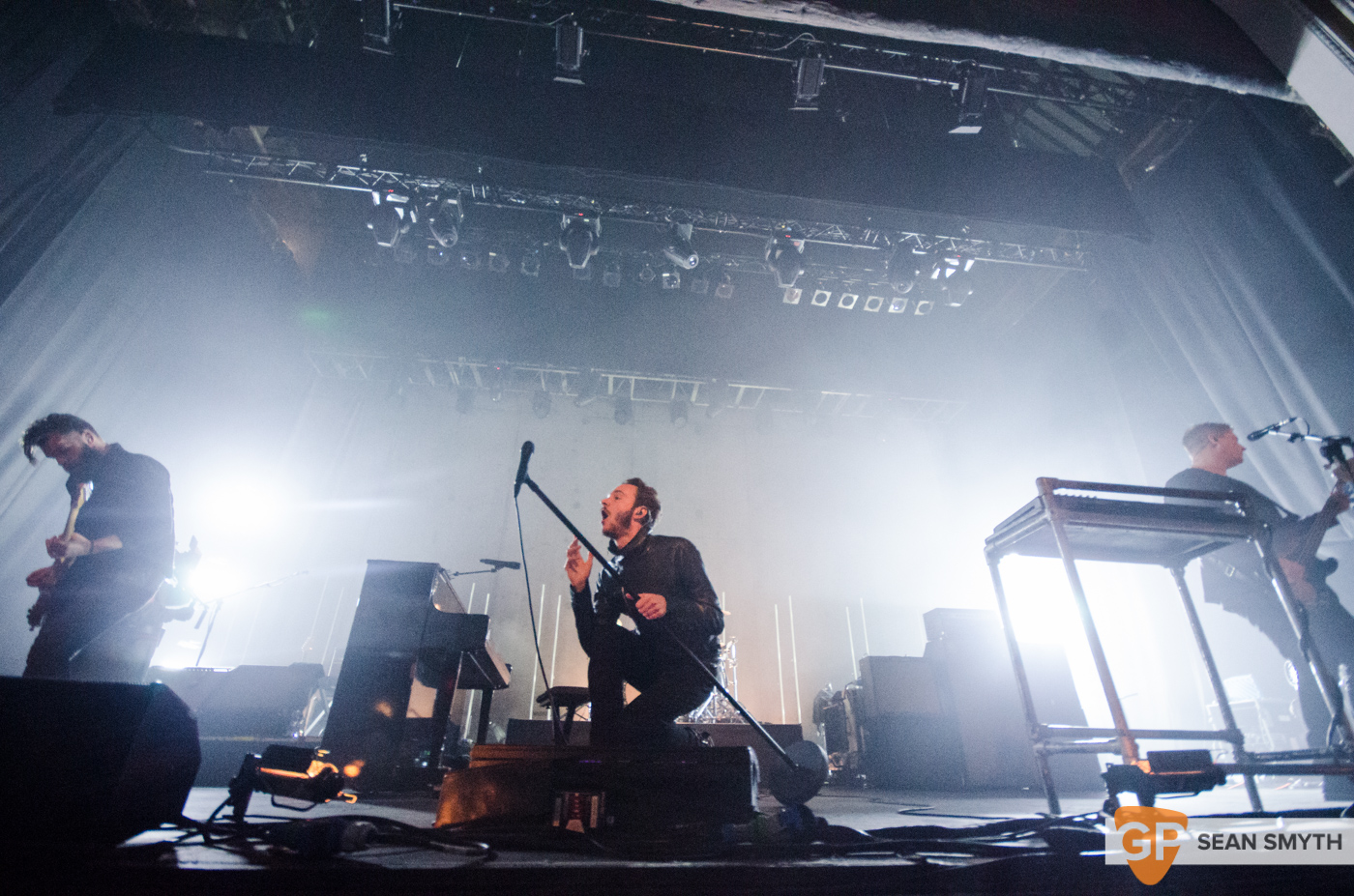 editors-at-the-olympia-theatre-by-sean-smyth-10-10-15-14-of-28_21469303253_o