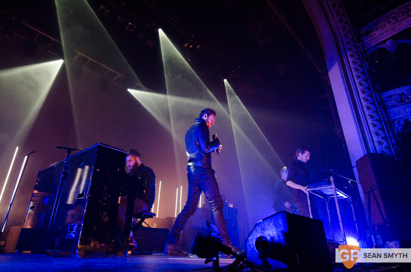 editors-at-the-olympia-theatre-by-sean-smyth-10-10-15-2-of-28_21902549978_o