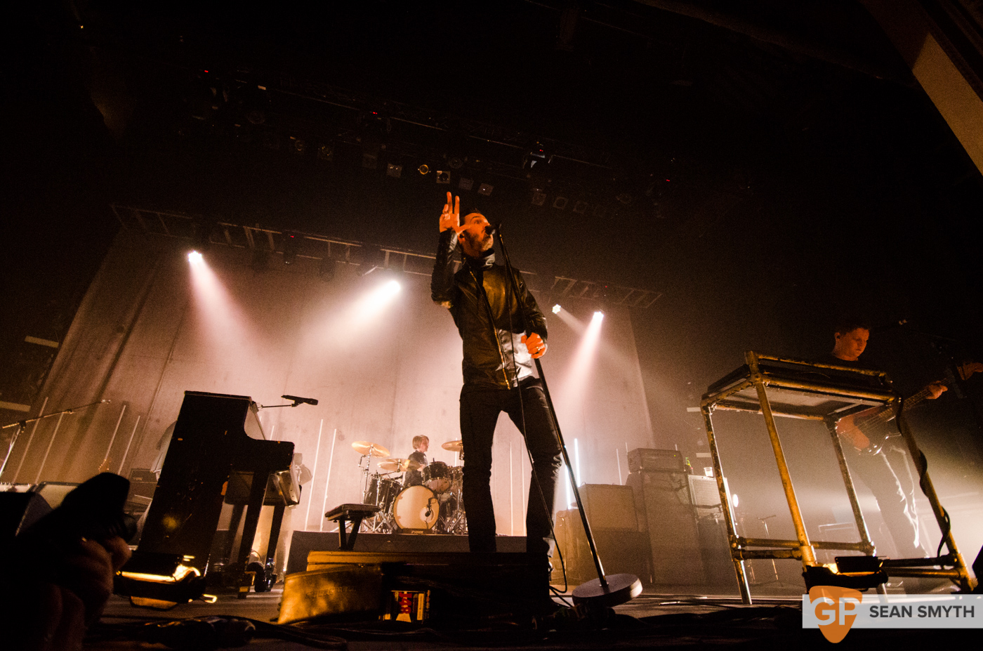 editors-at-the-olympia-theatre-by-sean-smyth-10-10-15-21-of-28_21902249670_o