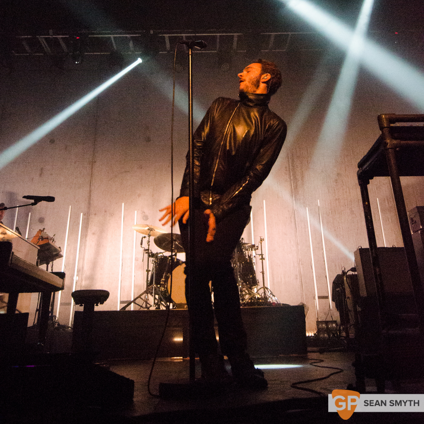 editors-at-the-olympia-theatre-by-sean-smyth-10-10-15-9-of-28_21469303773_o