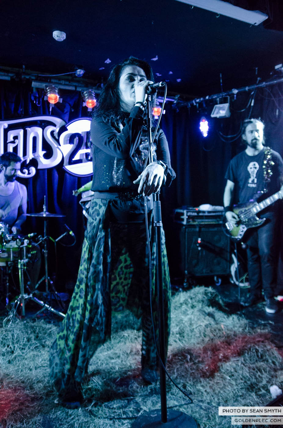 fight-likes-apes-at-whelans-by-sean-smyth-20-12-14-29-of-34