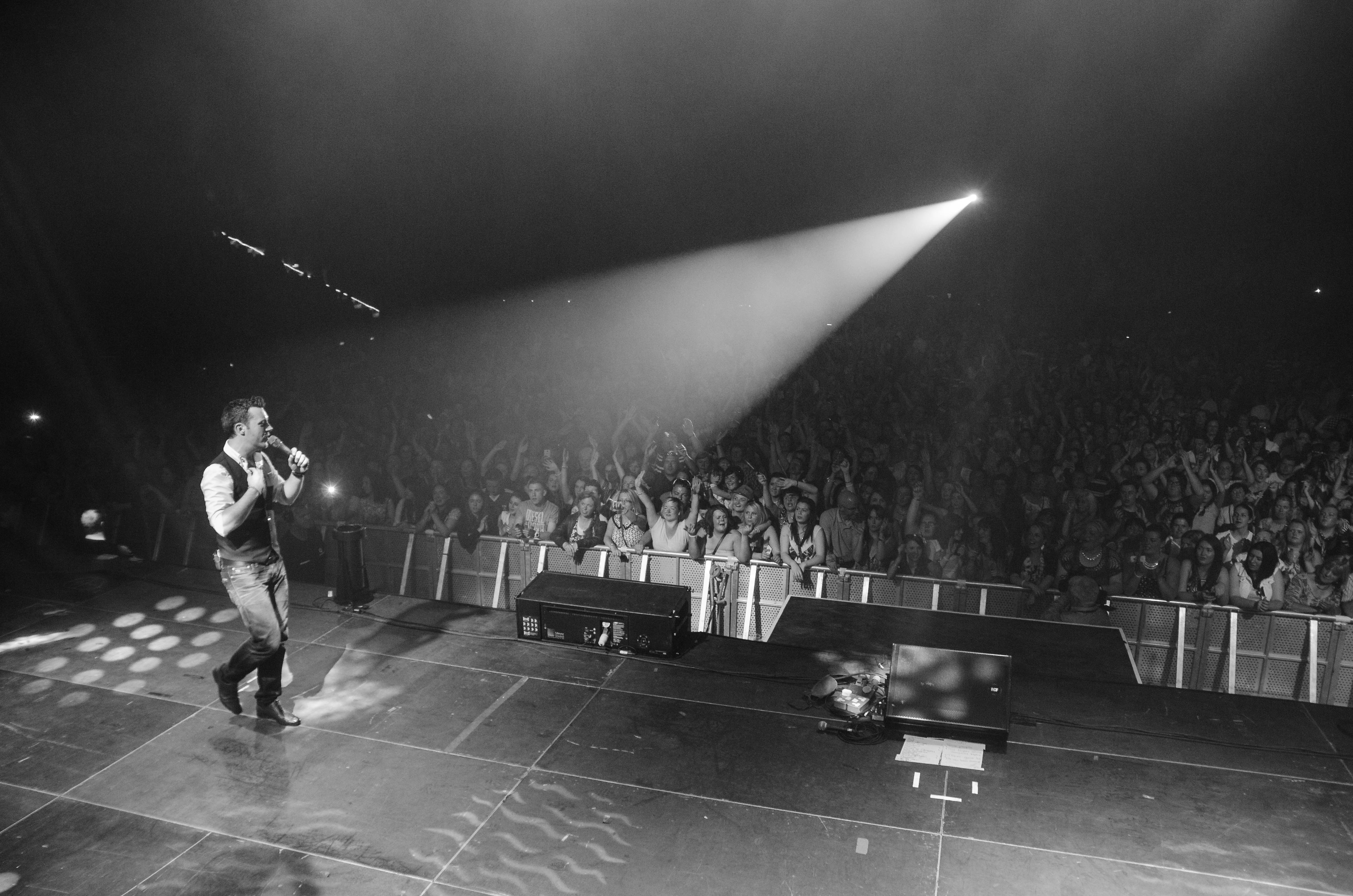 nathan-carter-at-the-marquee-cork-by-sean-smyth-15-6-14-48-of-55