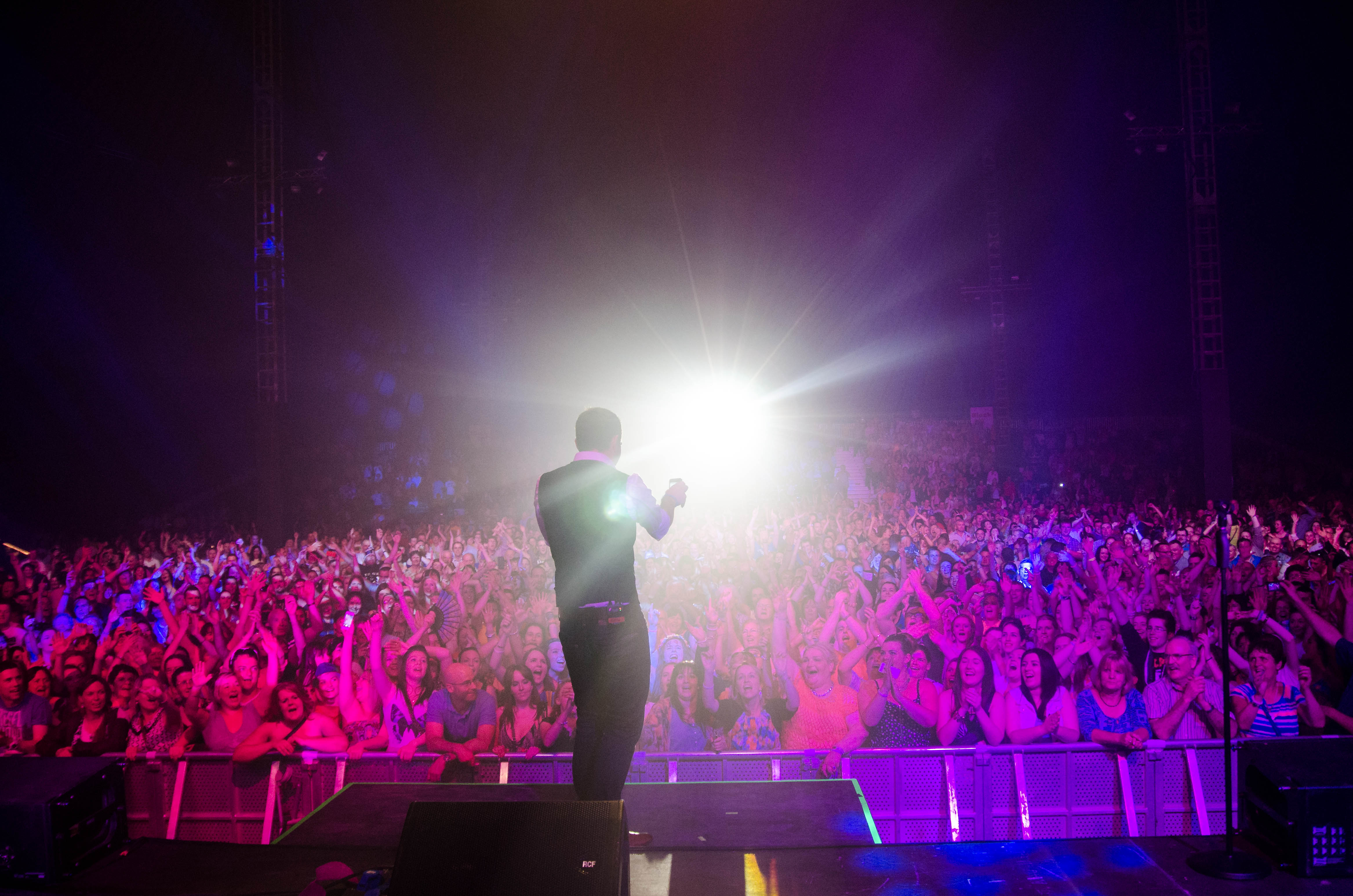 nathan-carter-at-the-marquee-cork-by-sean-smyth-15-6-14-53-of-55