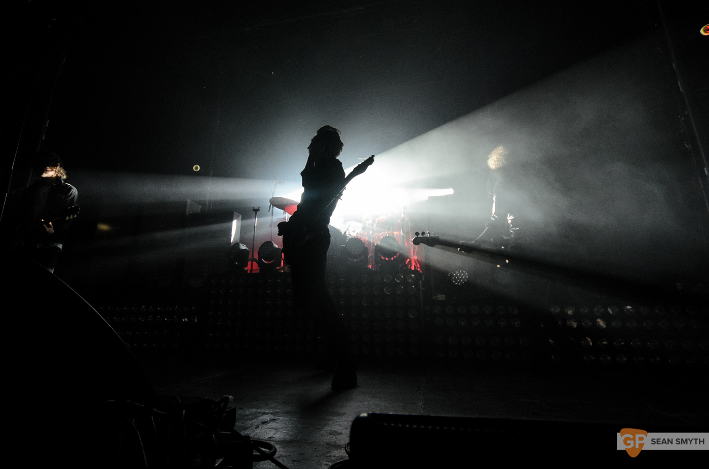 catfish-and-the-bottlemen-at-the-olympia-theatre-by-sean-smyth-20-11-16-6-of-27